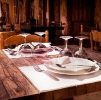 How to Find a Good Restaurant While Traveling Overseas